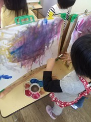 江波第二保育園 ばら組 絵具で遊ぼう