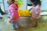 三篠保育園 うさぎさん 絵の具で遊ぼう