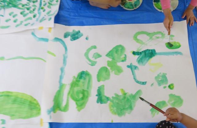 絵具で遊ぼう保育園