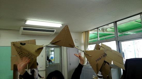 江波第2保育園ゆり組段ボールのお城 (19)