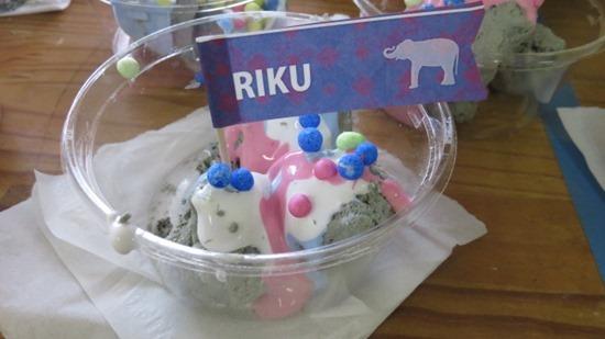 アイスクリームやさんごっこ (2)