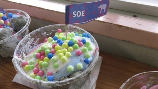 アイスクリームやさんごっこ (6)
